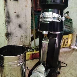 Monastir-materiaux_et_equipement-machine-moulin-du-cafe