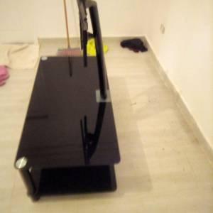 Ariana-maison_et_jardin-table-de-télé-a-vendre