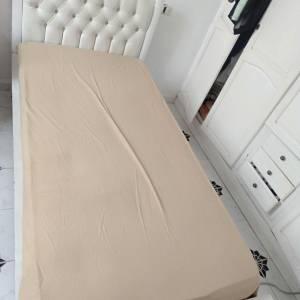 Sousse-maison_et_jardin-meuble-chambre-fille