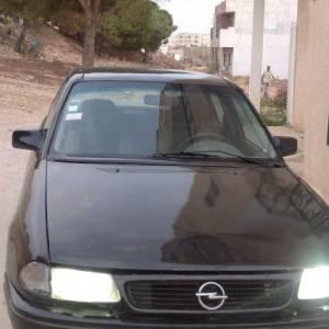 Tunis-voitures-Opel-(Astra)-1993-Manuelle-Diesel