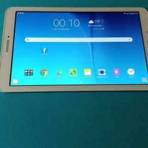 Tunis-informatique_et_multimedia-a-vendre-tablet-Samsung-bonne-état-peux-utiliser