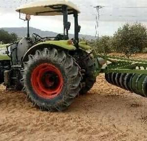 Gafsa-vehicules_et_pieces-tracteur-class-talos-210