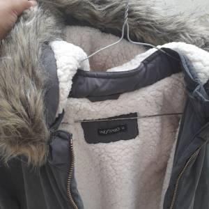 Tunis-bebe_et_enfant-a-vendre-manteau-pour-fille-12-ans