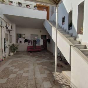 Ben-Arous-immobilier-à-louer-studio-meublé-pour-filles-58-511-173