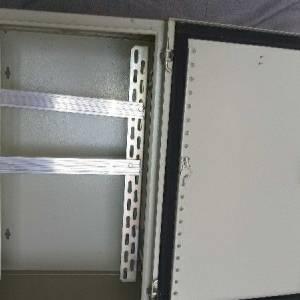 Bizerte-materiaux_et_equipement-Armoire-électrique-métallique-extérieur