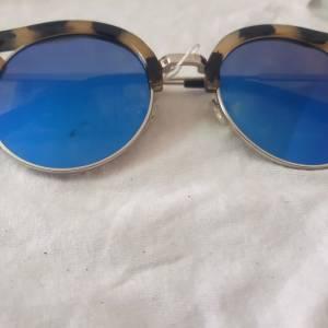 Ariana-mode_et_beaute-lunette-solaire-a-prix-bas