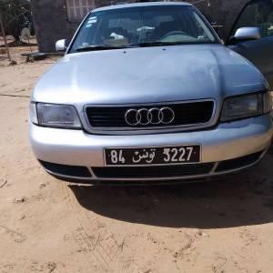 Sfax-voitures-Audi-(Audi-A4)-1997-Manuelle-Essence