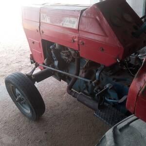 Medenine-vehicules_et_pieces-Tracteur-mt-542